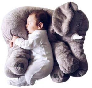 Baby mit Elefant